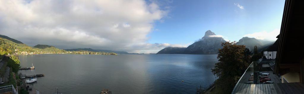 Ausblick vom Seehotel auf den Traunstein