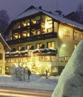 Winterliche Post am See