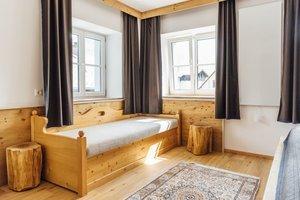 Zusatzbett in einem der Schlafzimmer
