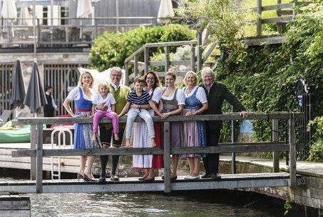 Gastgeber Familie Gröller mit drei Generationen