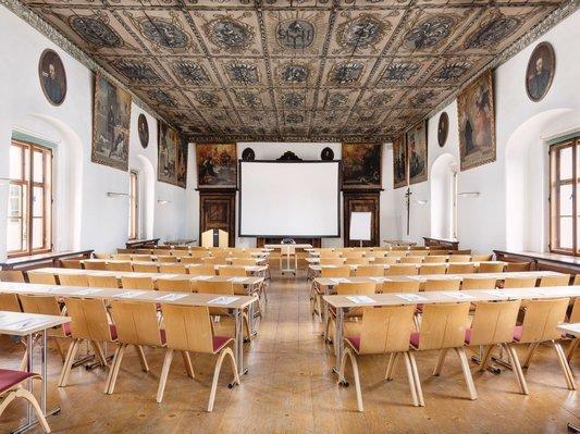 Konferenzbestuhlung im Klostersaal Traunkirchen