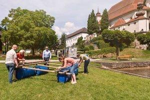 Floße bauen am Traunsee als Teambuilding Aktivität