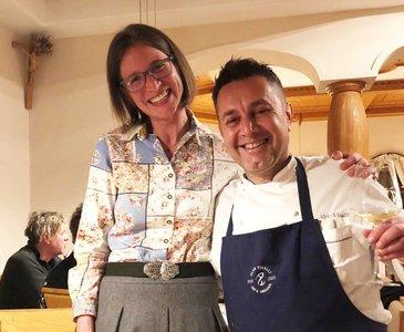 Alfio Visalli aus Sizilien mit Katharina Valle-Hackert (Marketing Traunseehotels)
